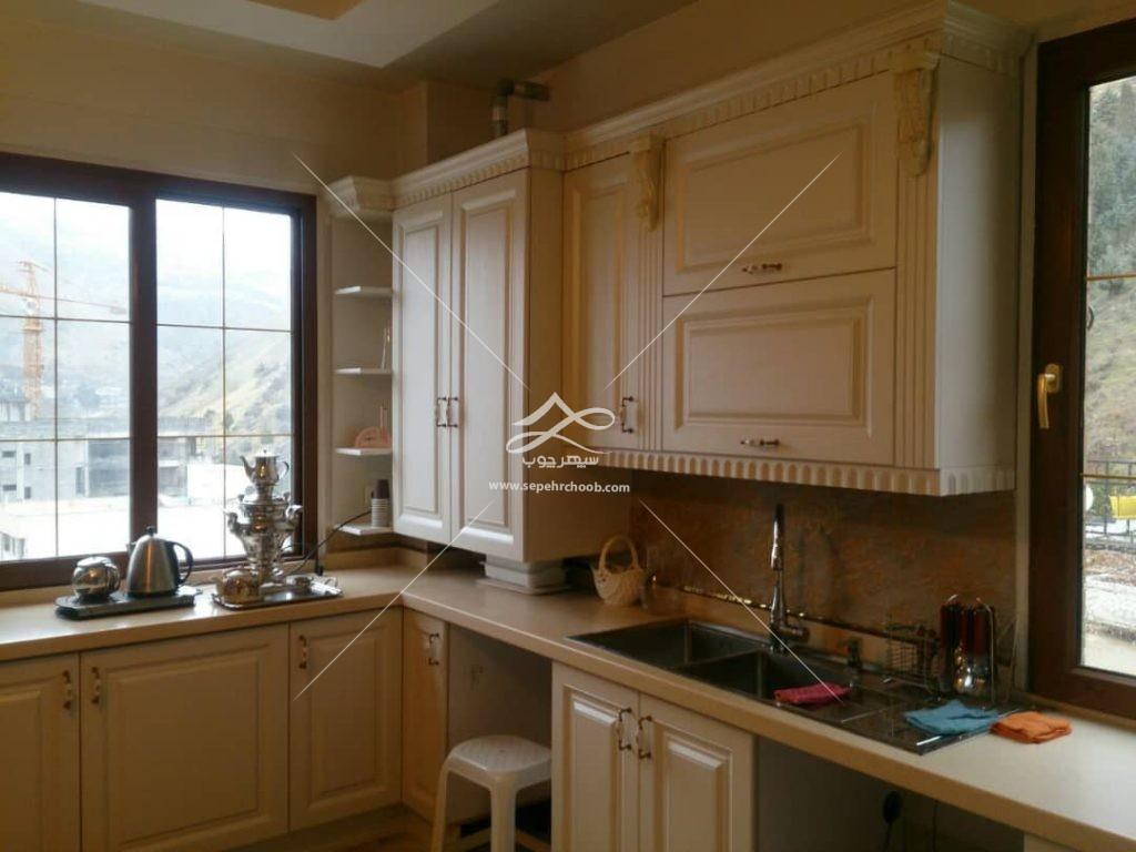 دکوراسیون آشپزخانه مستطیلی کوچک