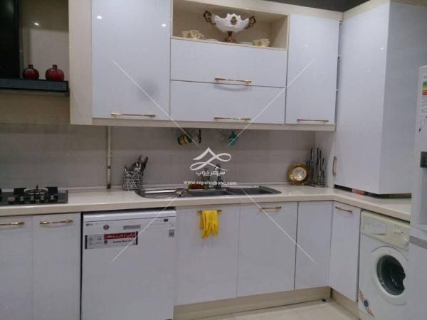 آشپزخانه کوچک مستطیلی